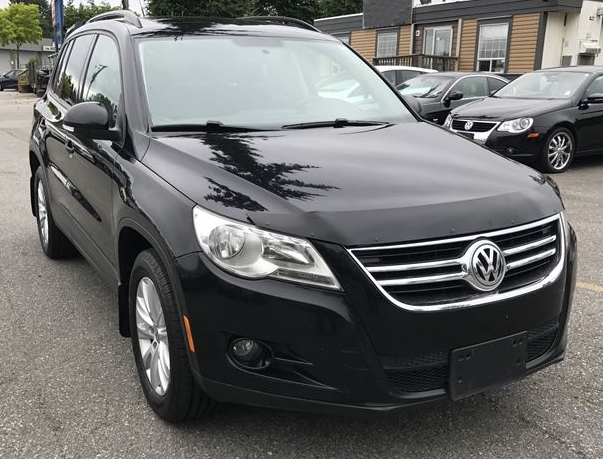 Volkswagen Tiguan (2009-2017) FormFit Hood Protector